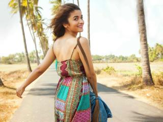 Alia Bhatt Dear Zindagi wallpaper