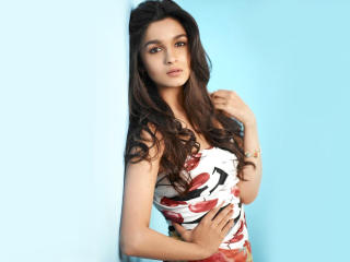 Alia Bhatt Latest Wallpapers wallpaper