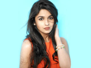 Alia Bhatt Stunning Pose In HD  wallpaper