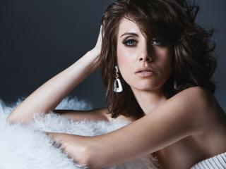 Alison Brie Blue Eyes wallpaper