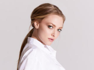 Amanda Seyfried 2020 wallpaper