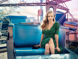 Amanda Seyfried For Vogue wallpaper