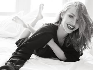 Amanda Seyfried Vogue Magazine Photoshoot wallpaper