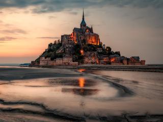 Amazing Mont Saint-Michel wallpaper