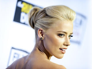 Amber Heard At Award Pics wallpaper