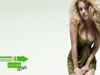 Amber Heard Clevage Pics wallpaper