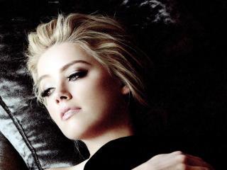 Amber Heard Close Up Pics wallpaper