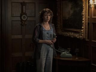 Amelia Eve in The Haunting of Bly Manor wallpaper