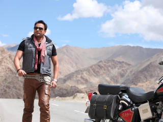 Amrinder Gill Dashing Wallpaper  wallpaper