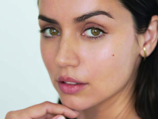 Ana de Armas Green Eyes wallpaper