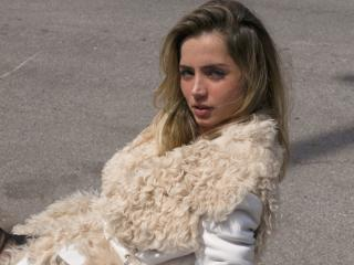 Ana De Armas Hot Cuban Actress wallpaper