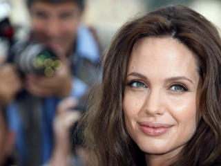 Angelina Jolie Close Up Hd Photo wallpaper