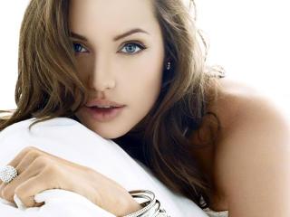 Angelina Jolie Lovely Hd Photos wallpaper