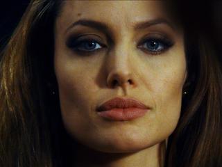 Angelina Jolie pics download wallpaper