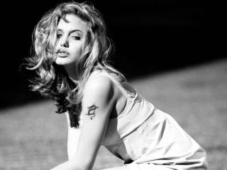 Angelina Jolie Sexy Hd Pics wallpaper