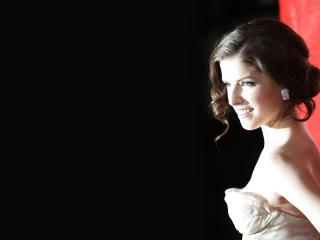 Anna Kendrick Charming Photos wallpaper