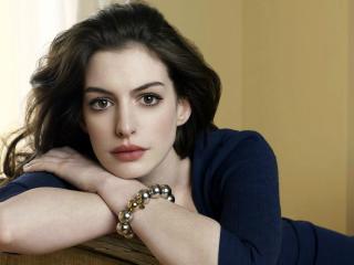 Anne Hathaway Pretty Hd Pics wallpaper
