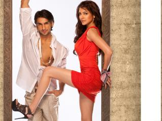 HD Wallpaper | Background Image Anushka Sharma With Ranveer Singh