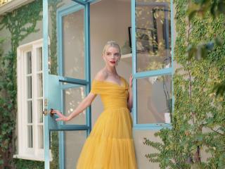 Anya Taylor-Joy in Yellow wallpaper