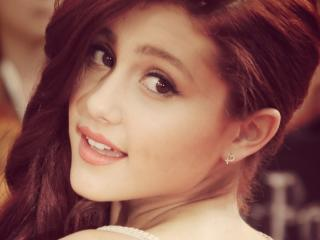 Ariana Grande Close Up Pics wallpaper