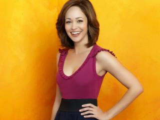 Autumn Reeser Cute Smile HD Pics wallpaper