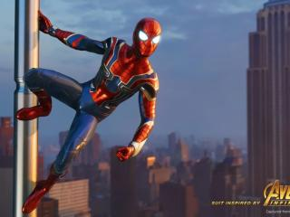 Avengers Infinity War Iron Spider in Spider-Man Game wallpaper