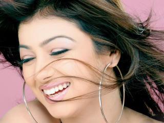 Ayesha Takia Smiley Look Photos wallpaper
