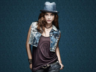 Barbara Palvin Wearing Cap wallpaper