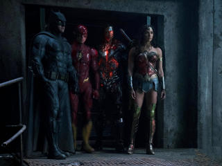 Batman Flash Cyborg And Woman Woman In Justice League wallpaper