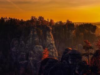 Beautiful 4K Mountain in Sunset wallpaper