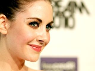 Beautiful Alison Brie Eyes wallpaper