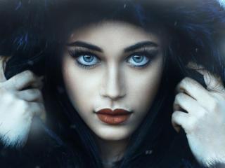 Beautiful Model Jessica Napolitano In Fur Coats wallpaper