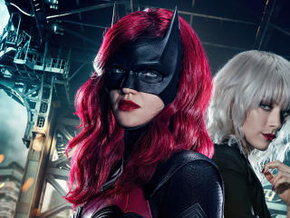 Beth Kane and Ruby Rose Batwoman wallpaper