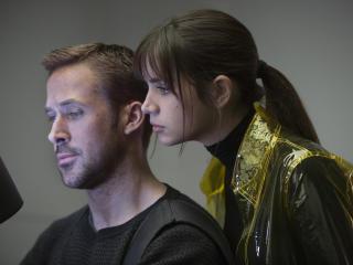 Blade Runner 2049 Ryan Gosling And Ana De Armas wallpaper