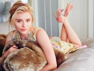 Blonde Cute Chloe Grace Moretz wallpaper