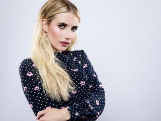 Blonde Emma Roberts 2018 wallpaper
