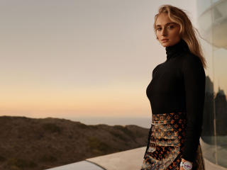 Blonde Sophie Turner Photoshoot wallpaper