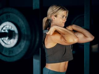 Blonde Women Weightlifting wallpaper