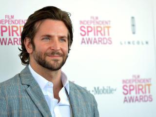 Bradley Cooper Award Hd Pics wallpaper