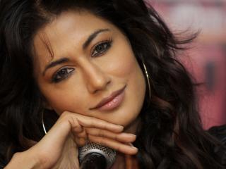 Chitrangada Singh Cute Closeup Pics wallpaper