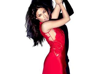Chitrangada Singh In Red Dress HD Wallpaper wallpaper