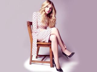 chloe moretz, celebrity, chair wallpaper