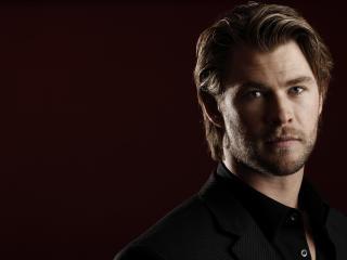 Chris Hemsworth Stylish Pics wallpaper