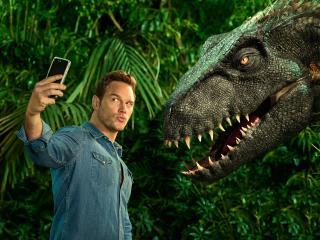 Chris Pratt Taking Selfie With Dinosaur wallpaper