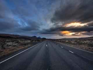 Cloudy Empty Road wallpaper