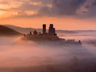 Corfe Castle Fog Day wallpaper