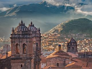 Cusco Cathedral on the Plaza de Armas wallpaper