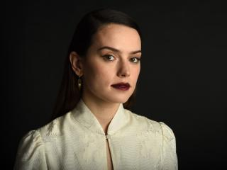 Daisy Ridley Actress wallpaper