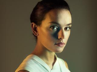Daisy Ridley Brown Eyes And Face wallpaper