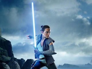 Daisy Ridley Lightsaber Star Wars 8 wallpaper